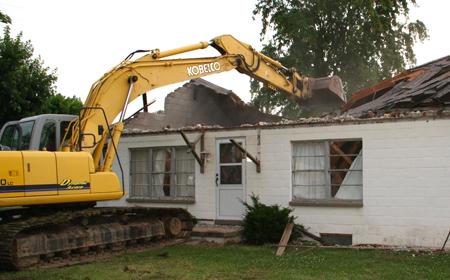 Démolition maison frappée d'alignement
