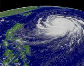 Vue satellitaire d'un typhon