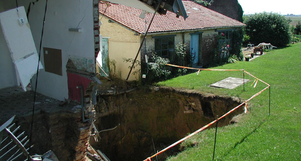 Effondrement d'une cavité souterraine